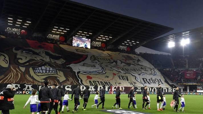 7240c29b86622710ce9213215ff1aa17-stade-rennais-betis-seville-le-bel-hommage-des-supporters-sevillans-la-ville-de-rennes
